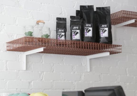- جومو كمورد للقهوةلكوننا مورد أساسي للقهوة فاننا مهتمون بأن نوفر لك حبوب قهوة ذات مذاق استثنائي فريد من نوعه وذلك لأننا نحب التعامل مع حبوب القهوة. ولكوننا نقوم بتحميص حبوب القهوة فإننا نساهم في نجاح بعض الأعمال الأخرى من خلال توفير أفضل وأجود حبوب القهوة.
