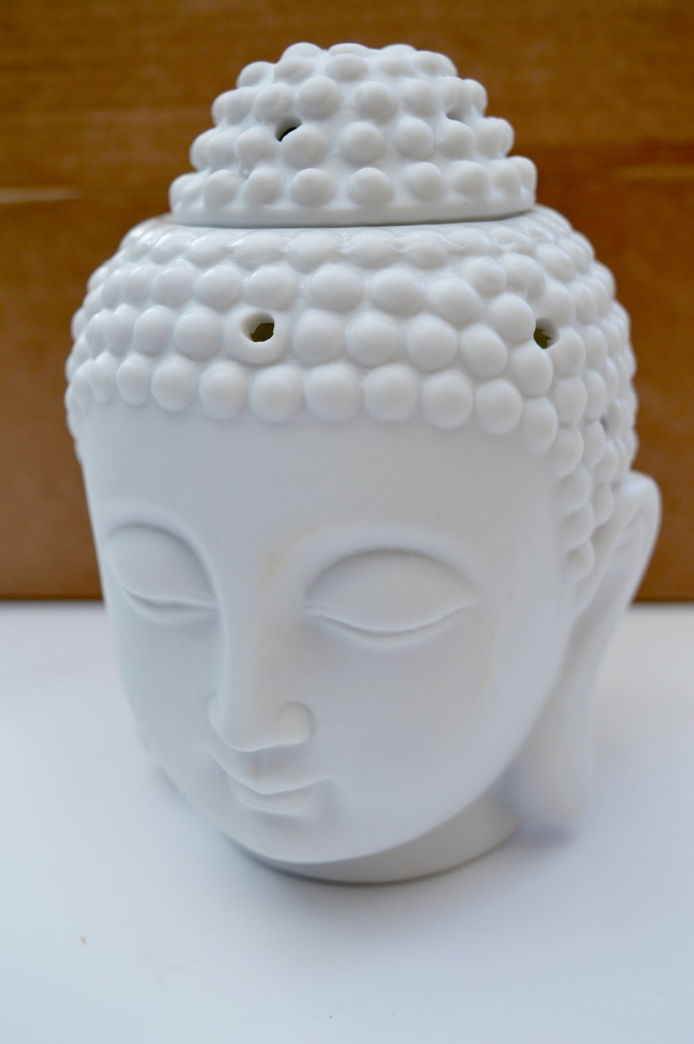 buddah_head_wax_burner_iwoot_scent_from_candle_subscription_box_the_Hut_Group_bangkok_elle_blonde_luxury_lifestyle_blog
