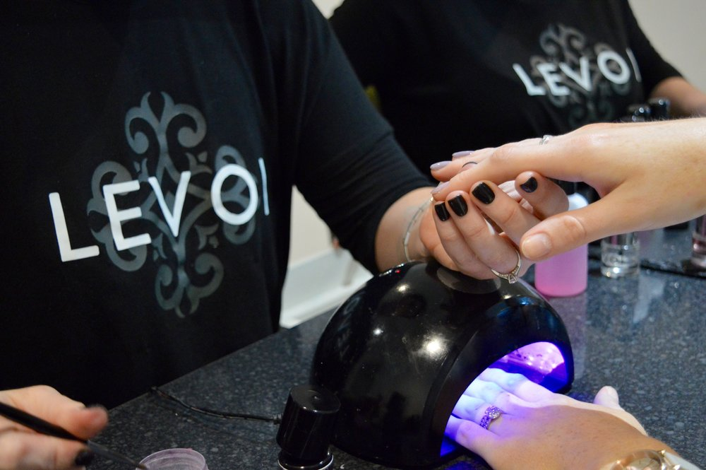 levoi_champagne_nail_bar_hen_party_newcastle_nail_salon_gel_acrylic_elle_blonde_luxury_lifestyle_blog