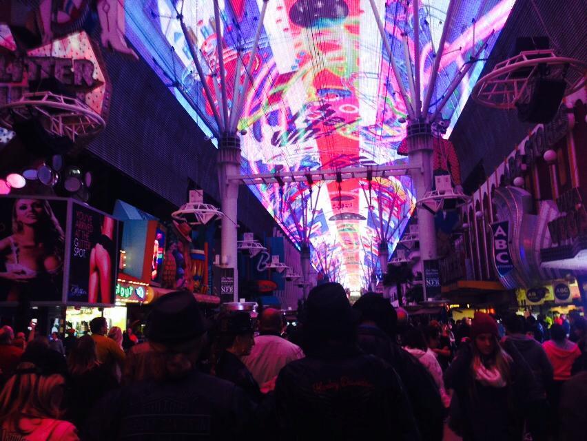 fremont_street_experience_las_vegas_travel_guide_to_sin_city_elle_blonde_luxury_lifestyle_blog