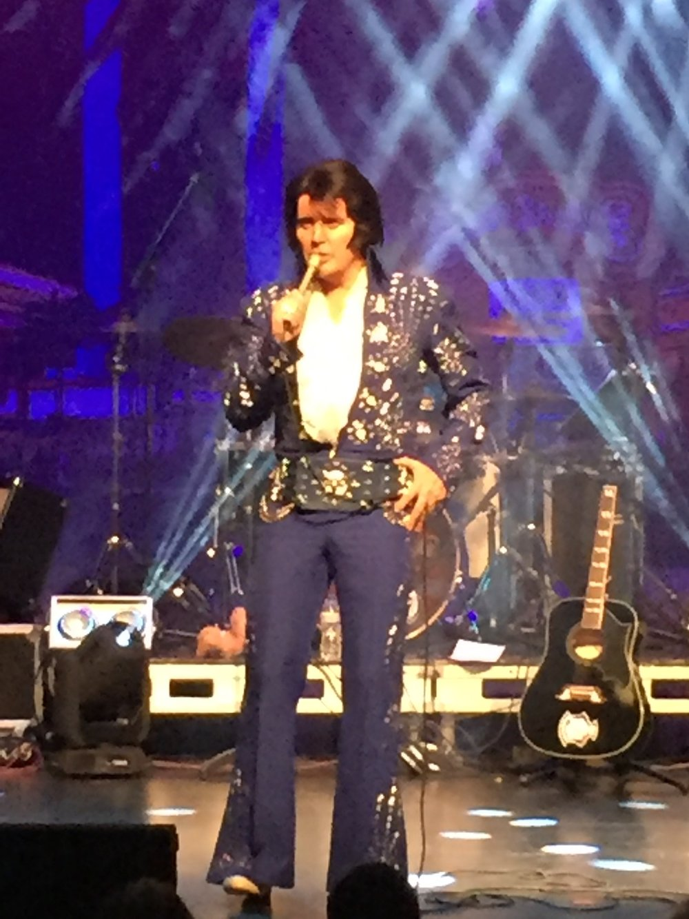whitley_bay_playhouse_rob_kingsley_elvis_tribute_act_elle_blonde_luxury_lifestyle_blog