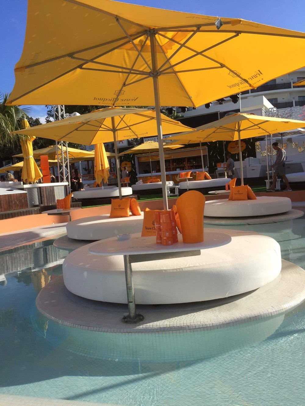 ocean_beach_club_ibiza_the_ultimate_ibiza_weekender_hen_party_veuve_clicquot_elle_blonde_luxury_lifestyle_blog