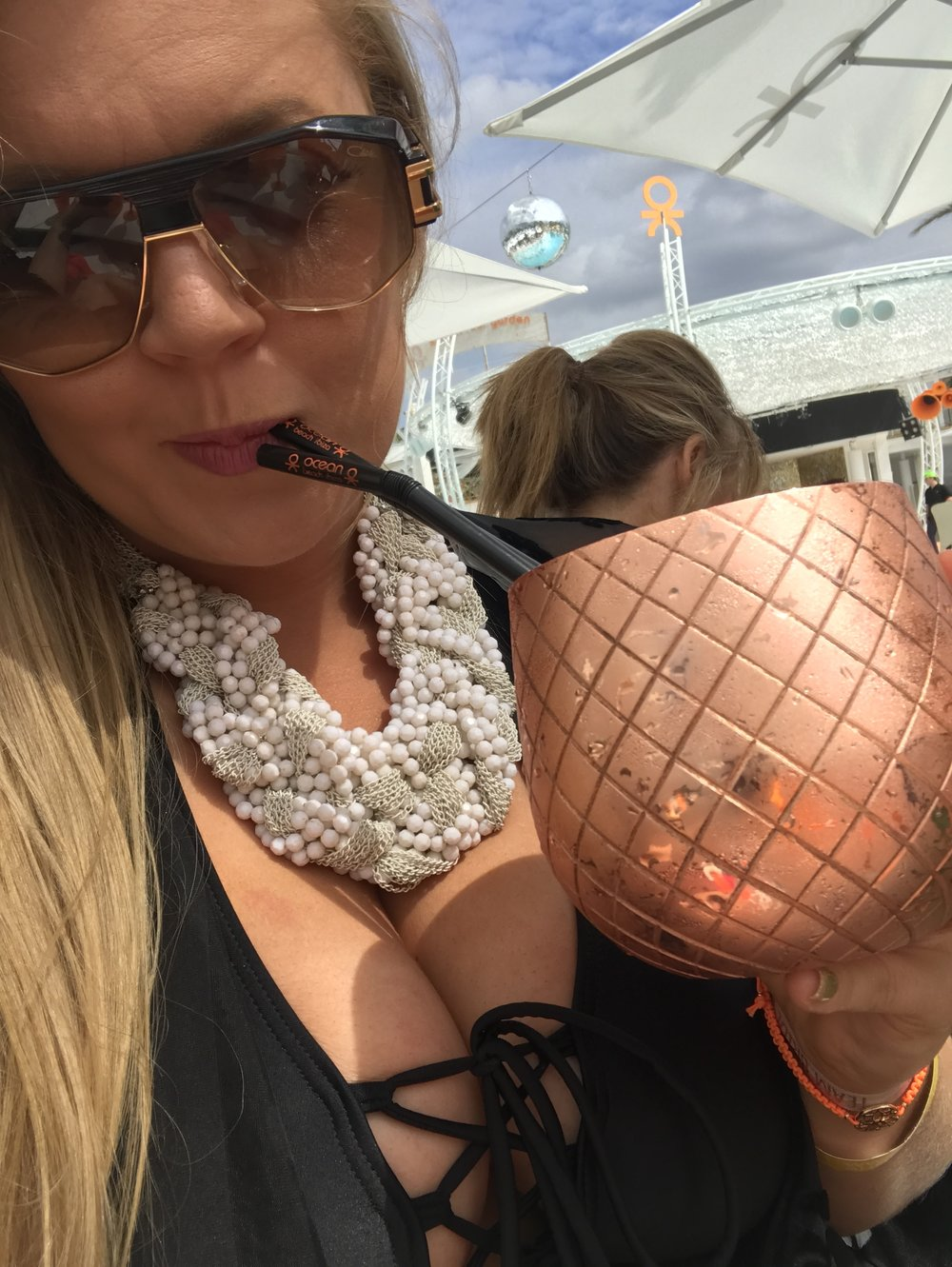 absolut_elyx_copper_pineapple_cazal_smart_buy_sunglasses_designer_sunglasses_what_to_wear_in_ibiza_ocean_beach_elle_blonde_luxury_lifestyle_blog