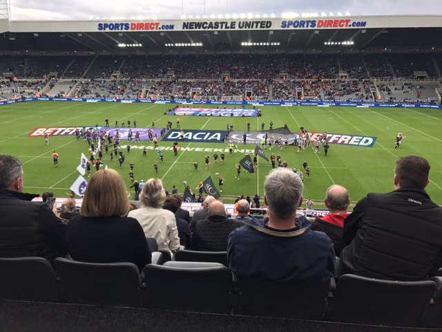 st_james_park_dacia_betfred_rugby_league_magic_Weekend_elle_blonde_luxury_lifestyle_blog