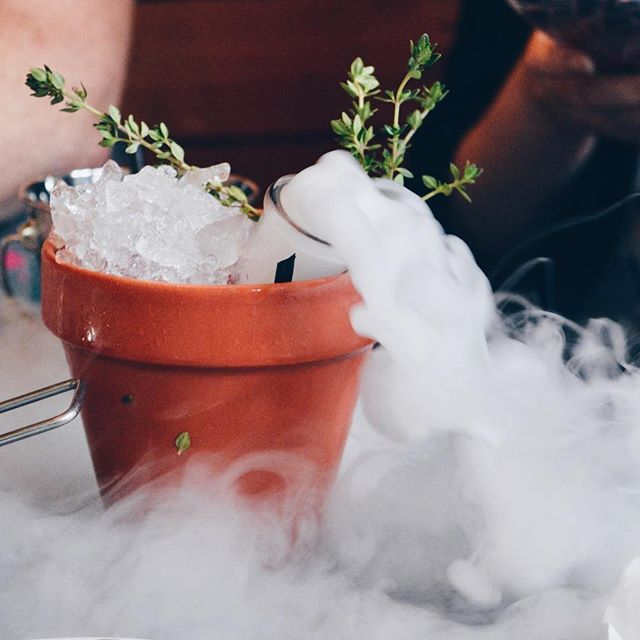 Last week we headed to @thebotanistuk Newcastle to try out their new cocktail menu. Smoking plant pots are certainly the best way to drink cocktails? Read all about them now • • #thebotanist #botanistnewcastle #cocktail #dryice #smokingcocktails #plantpot #botany #smoke #blog #blogger #blogging #lifestyleblog #lifestyleblogger #cocktailbar #newcastle #newcastleupontyne #NUT