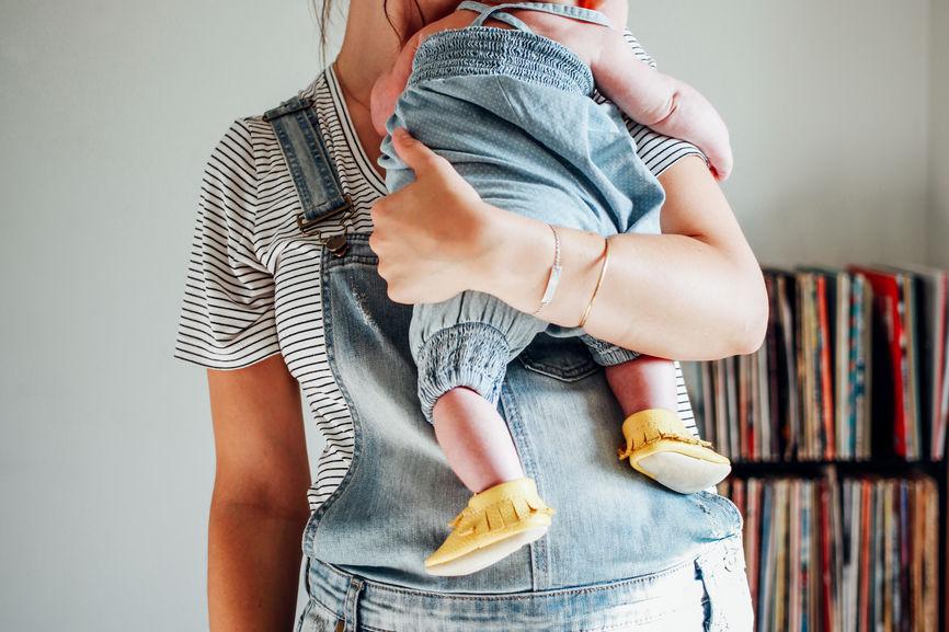 doula holding best baby toronto.jpg