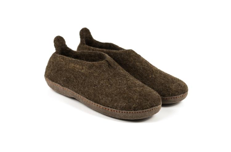 Bruin vilt schoen