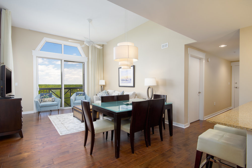 9800 Grand Sandestin Boulevard 5814/5816 Elation, Miramar Beach, FL, 3 bed • 3 bath • 1,655 SqFt Inviting lock-off penthouse with views of the bay and golf course. Enjoy whole or as a 1 bedroom unit and seperate 2 bedroom suite.