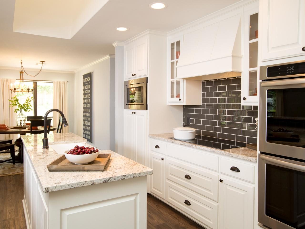 Fixer Upper Black and White Kitchen