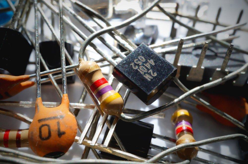 capacitor-1835729_1920.jpg