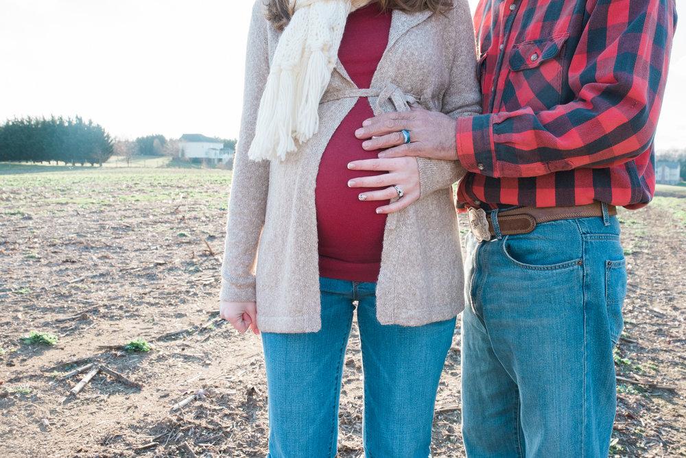Harford-county-maryland-photographer-lifestyle-family-maternity-engagement-photos-by-breanna-kuhlmann-6.jpg