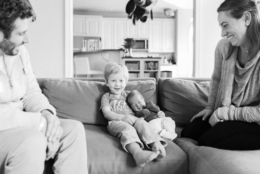 Maryland-lifestyle-newborn-photographer-fresh48-baltimore-photos-by-breanna-kuhlmann-#bklp-24.jpg