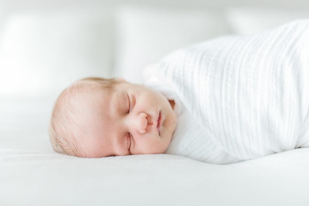 Baltimore-Maryland-lifestyle-newborn-photographer-photos-by-breanna-kuhlmann-#bklp-18.jpg