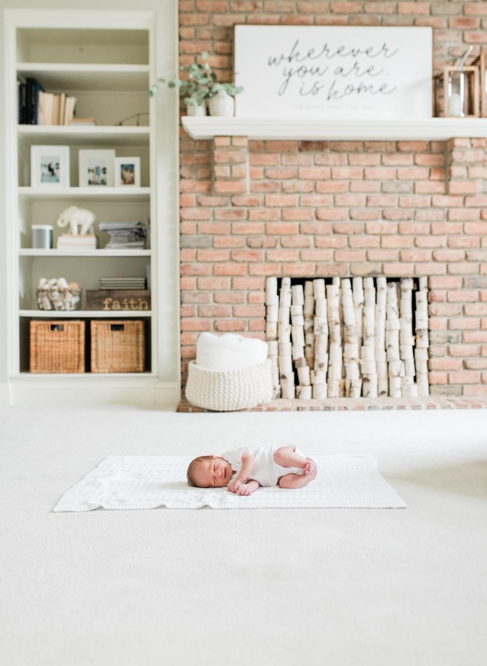 Baltimore-Maryland-lifestyle-newborn-photographer-photos-by-breanna-kuhlmann-#bklp-12.jpg