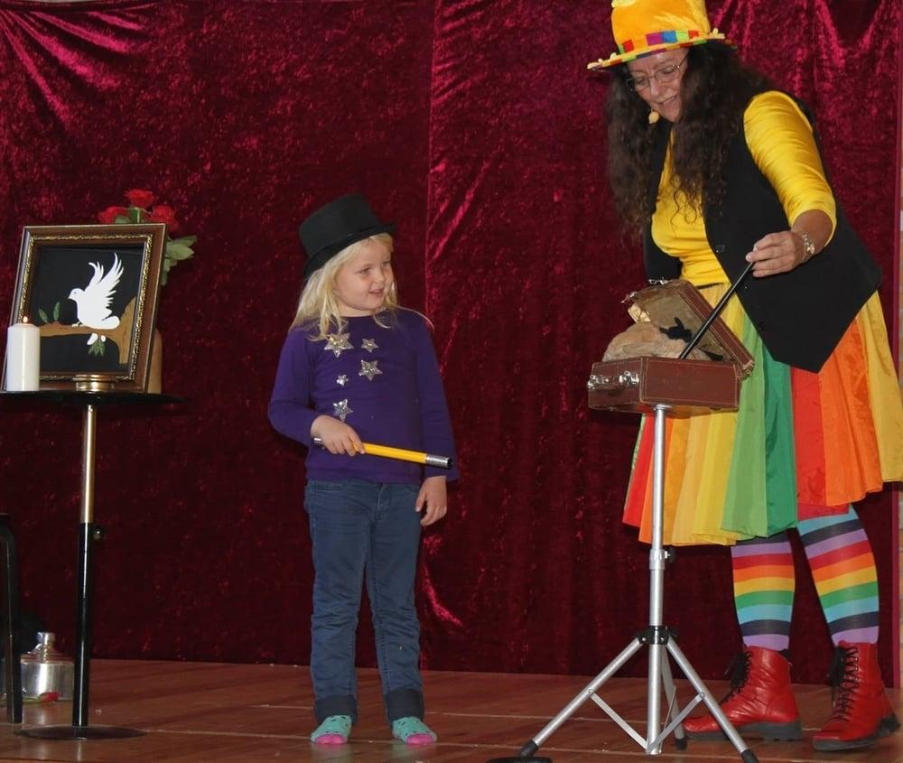 2014: Sjovt at trylle i Ravsted for børn og barnlige sjæle...