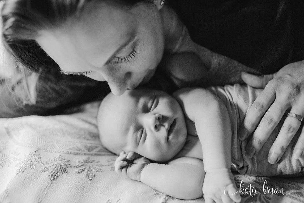 TinleyPark_Inhome_newbornsession_1172.jpg