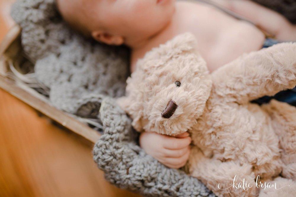 TinleyPark_Inhome_newbornsession_1180.jpg