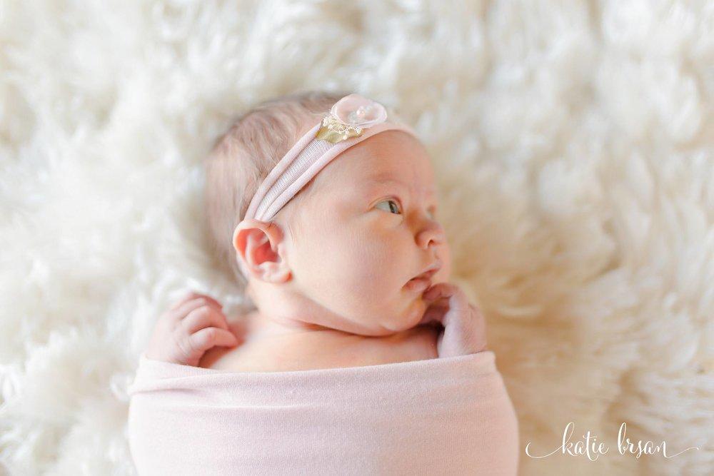 TinleyPark_NewbornPhotographer_InhomeNewbornSession_1266.jpg