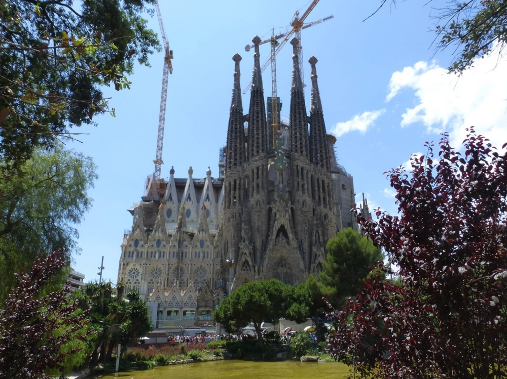Front of the Basilica Sagrada Familia.  Photo courtesy of Debra Rogers.