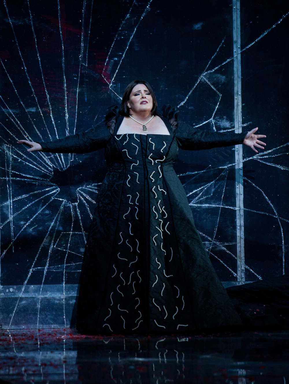 Angela Meade as Alcina: photo by Julio Rodriguez; courtesy of Washington National Opera.