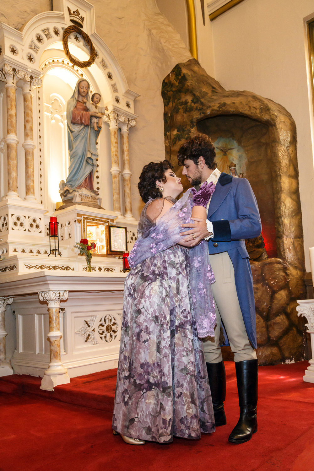 Photocall photo with Leah Crocetto as Tosca and Thiago Arancam as Cavaradossi. Photo by David Bachman Photography, taken at Stanislaus Kostka Church in the Strip District; courtesy of Pittsburgh Opera.