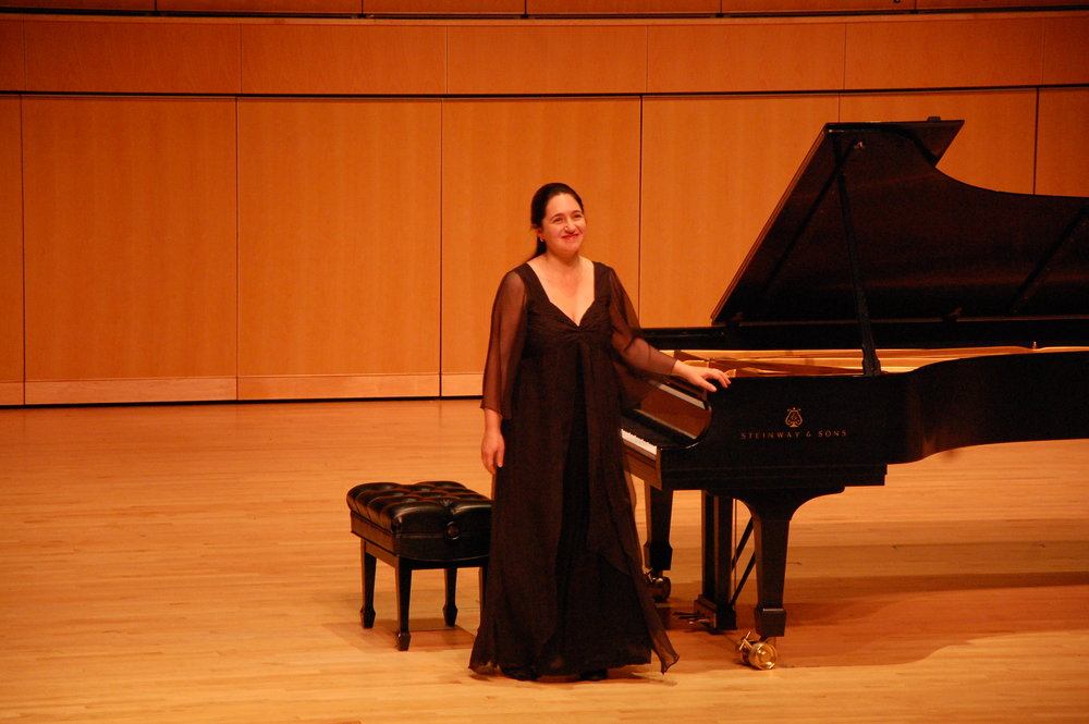 Concert pianist Simone Dinnerstein. Photo by Ronald Fedorczak; courtesy of the Candlelight Concert Society.