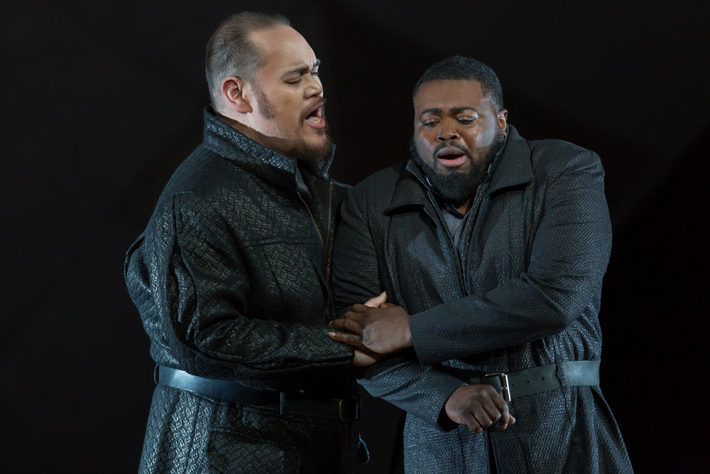 Baritone Quinn Kelsey (Rodrigo) and tenor Russell Thomas (Don Carlo) in WNO's Don Carlo_credit Scott Suchman.JPG