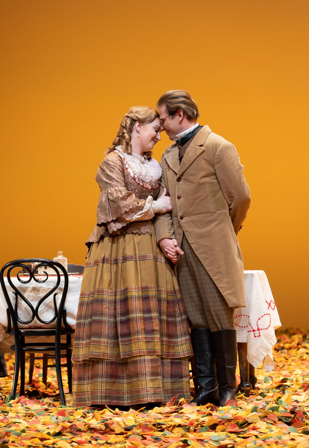 Lensky (tenor Alexey Dolgov) confesses his love to Olga (mezzo-soprano Lindsay Ammann) in WNO's production of Eugene Onegin_credit  Scott Suchman.jpg