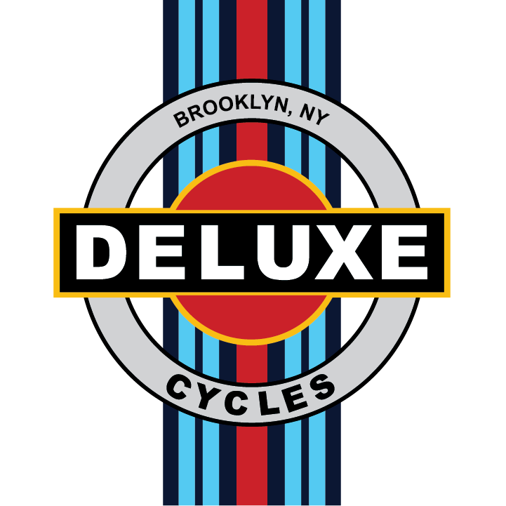 Deluxe Martini logo-02.png