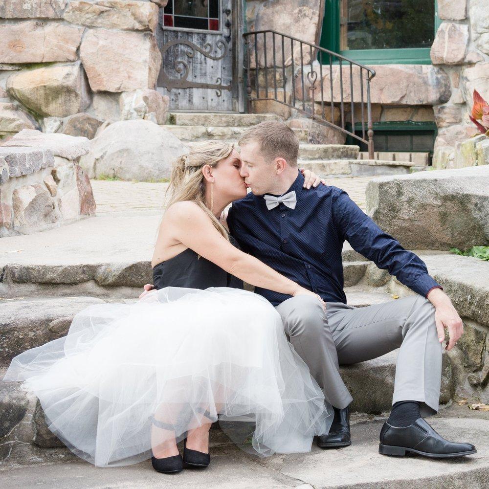 Engagement-session-Boldt-Castle-white-tulle-skirt.jpg