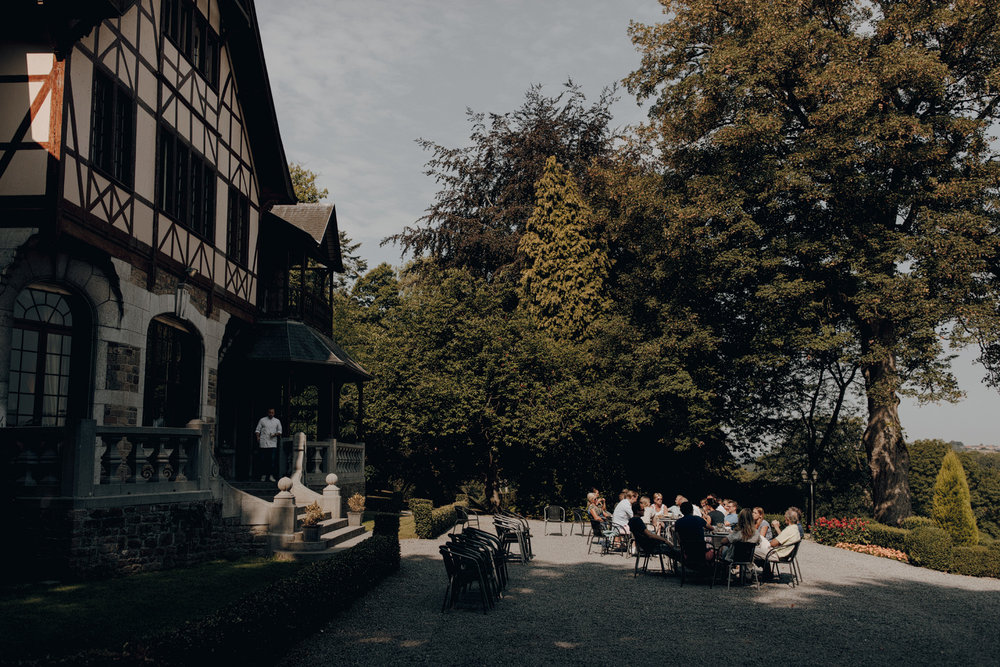 People having breakfast in Chateau de Presseux