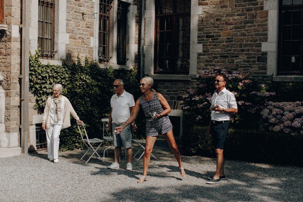 People playing Jeux de boules