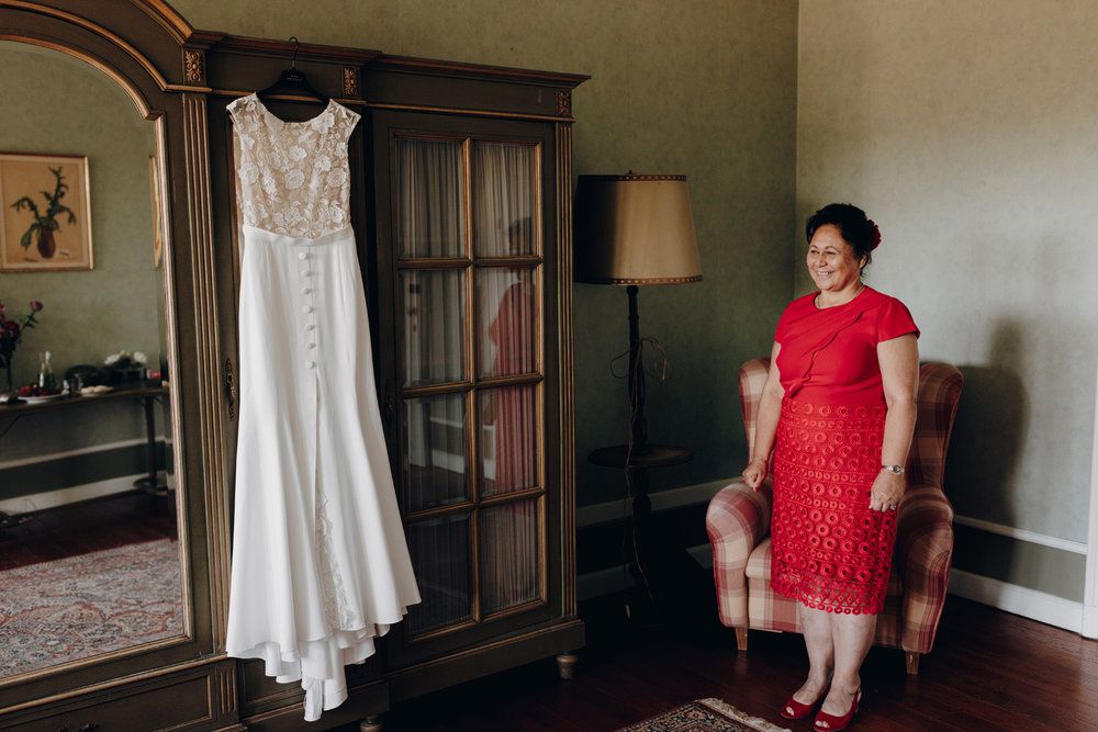 Wedding dress with mother