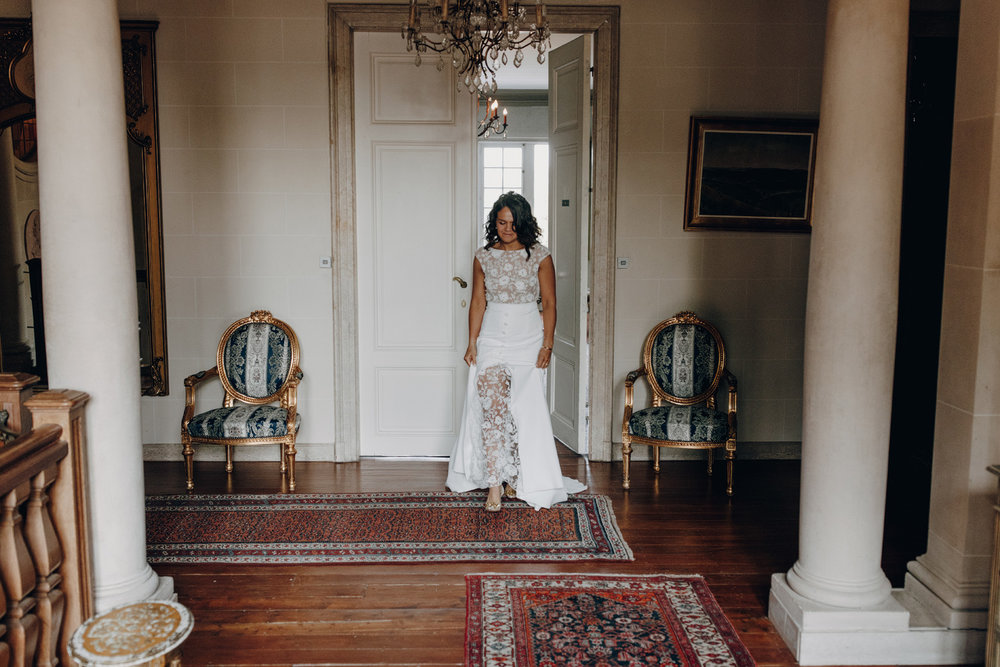 Bride arriving at Chateau de Presseux