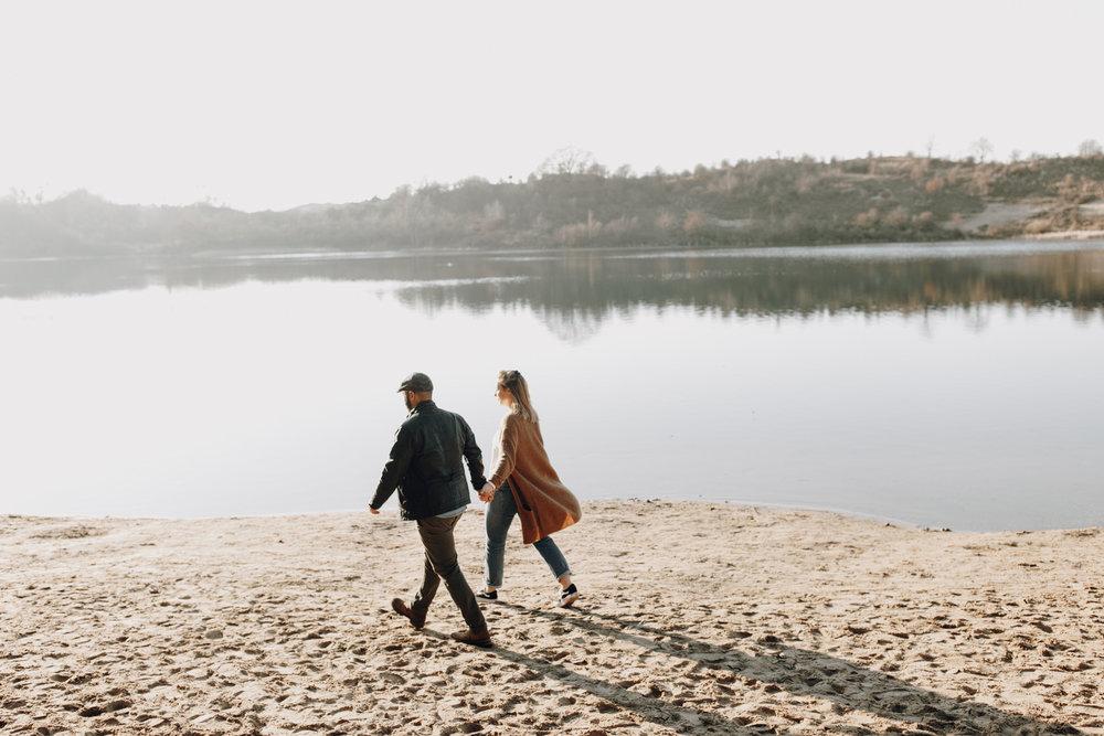 Couple walking at Oosterplas, Kennemerduinen