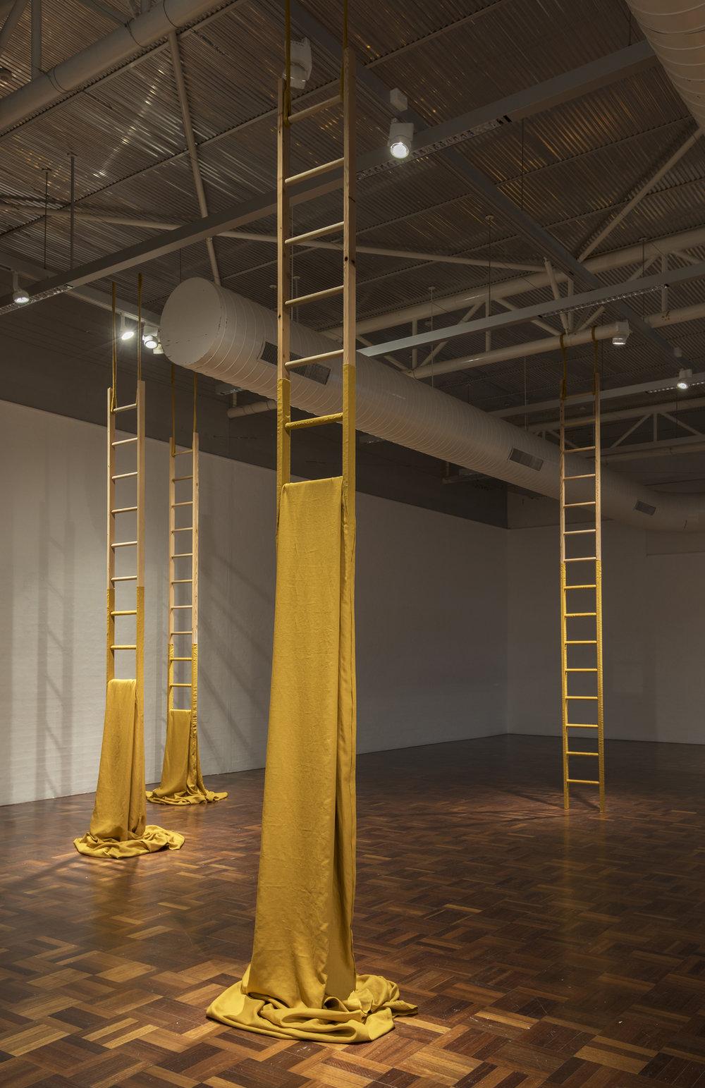 Stand (Installation detail)