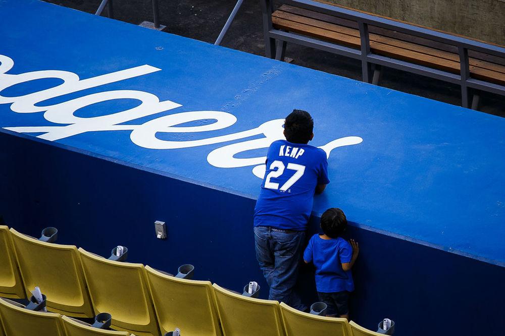 Dodgers-fans.jpg