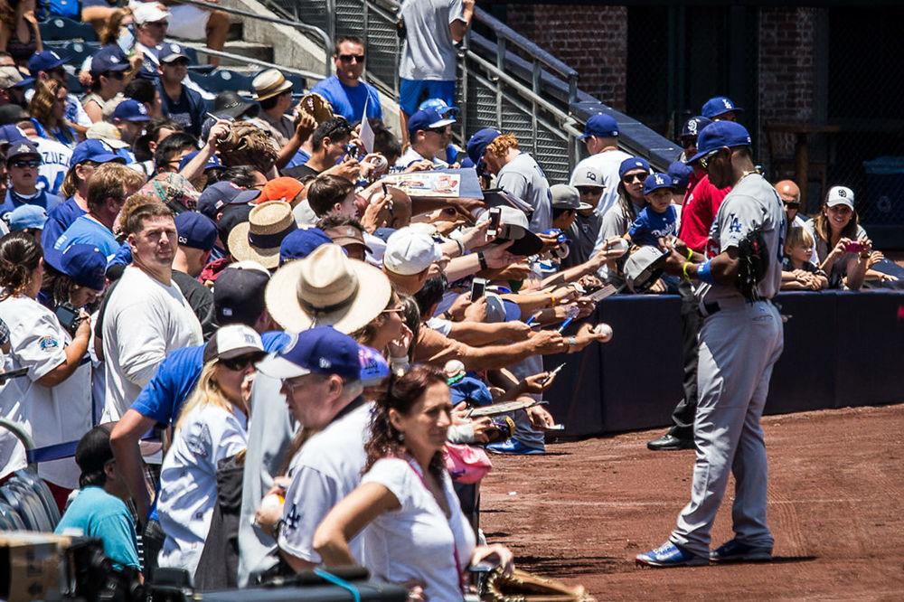 Dodgers-Puig-autograph.jpg