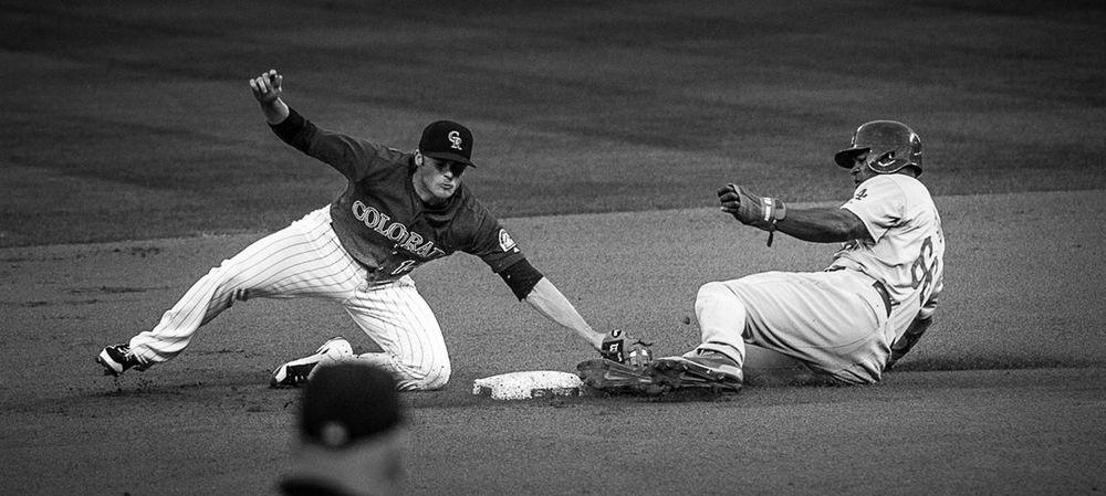 Dodgers-Yasiel-Puig-stealing.jpg