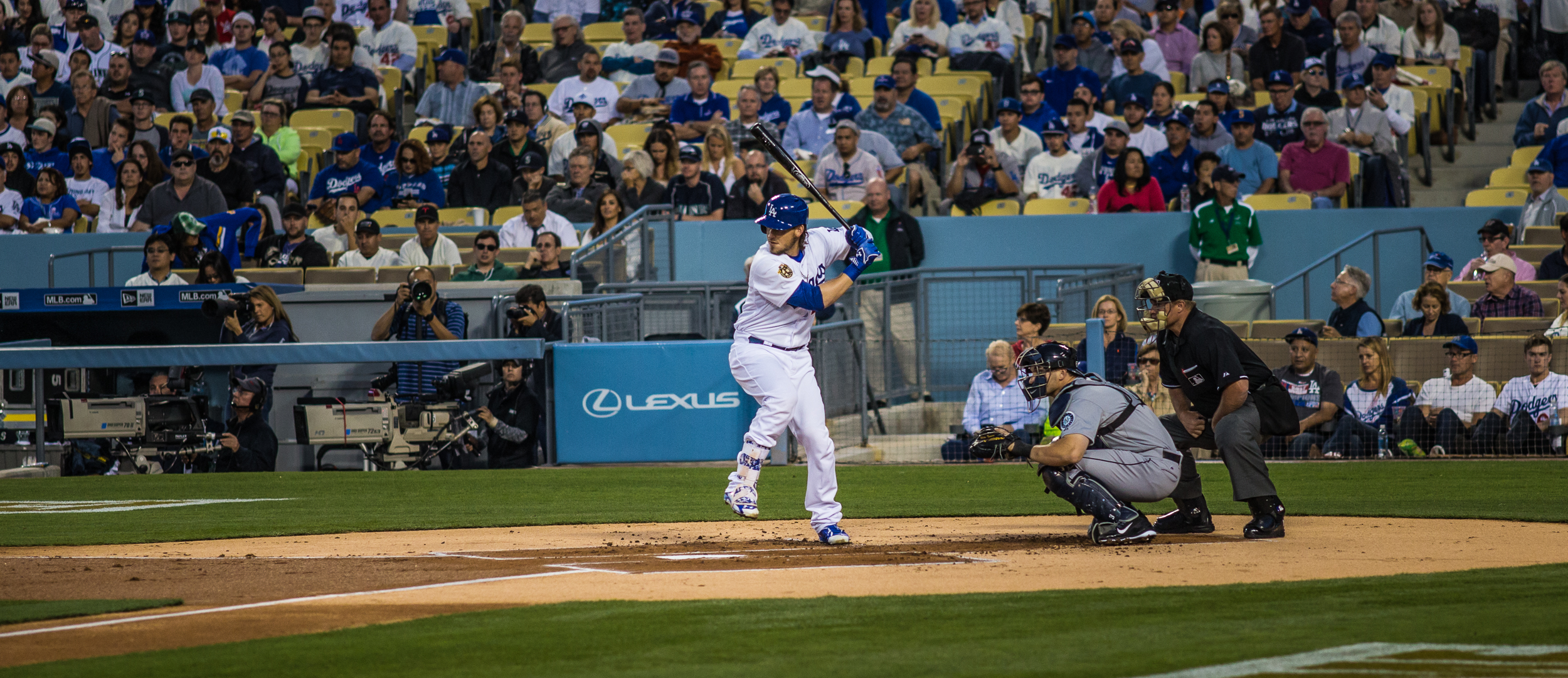 Yasmani Grandal about to swing