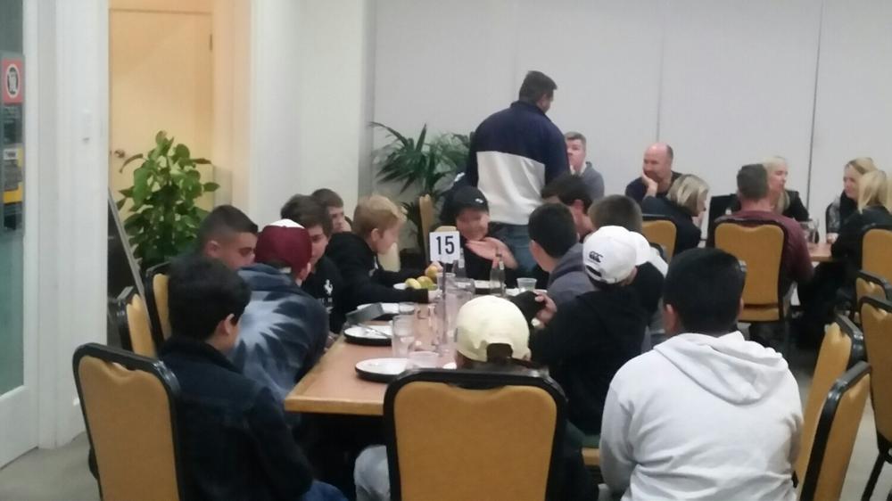 U13's enjoying Dinner as a team 🏉
