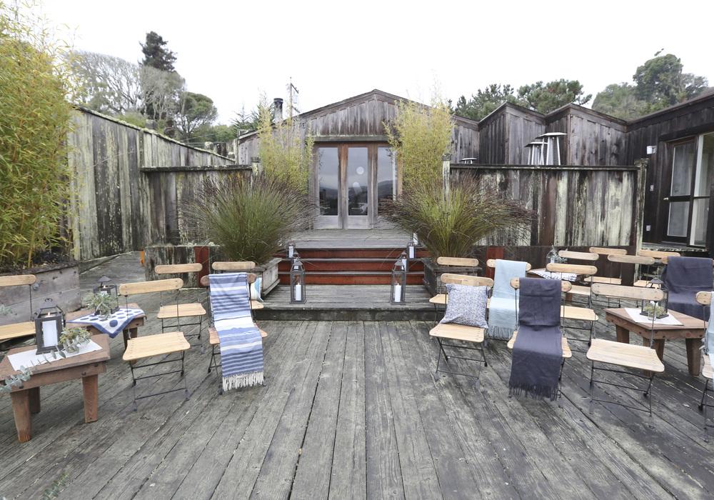 Casa de Perrin | Mankas Boathouse 04.jpg