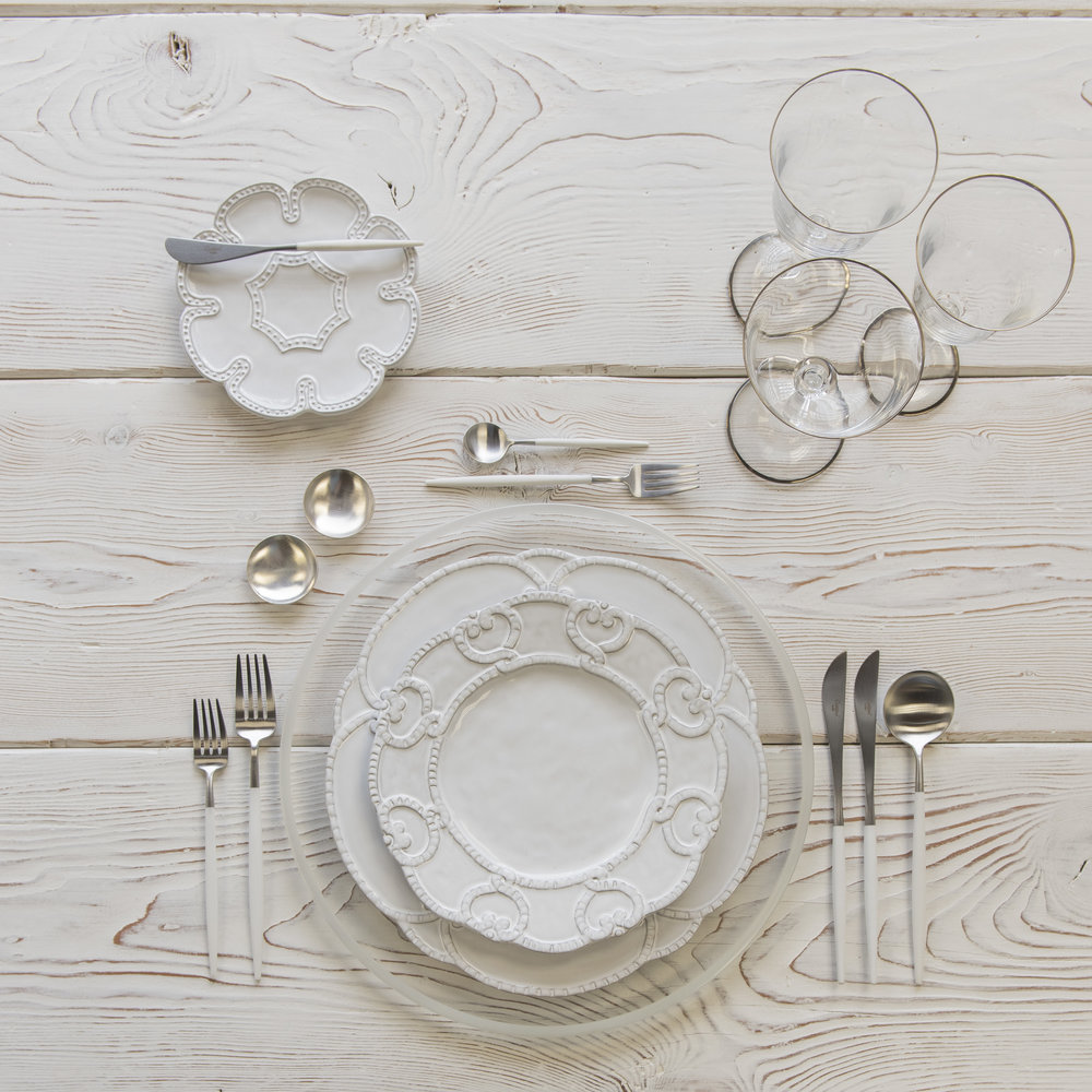 RENT: Halo Glass Chargers in Pearl + Signature Collection Dinnerware + Goa Flatware in Brushed Steel/White + Chloe Platinum Rimmed Stemware + Silver Salt Cellars  SHOP: Halo Glass Chargers in Pearl + Goa Flatware in Brushed Steel/White + Chloe Platinum Rimmed Stemware