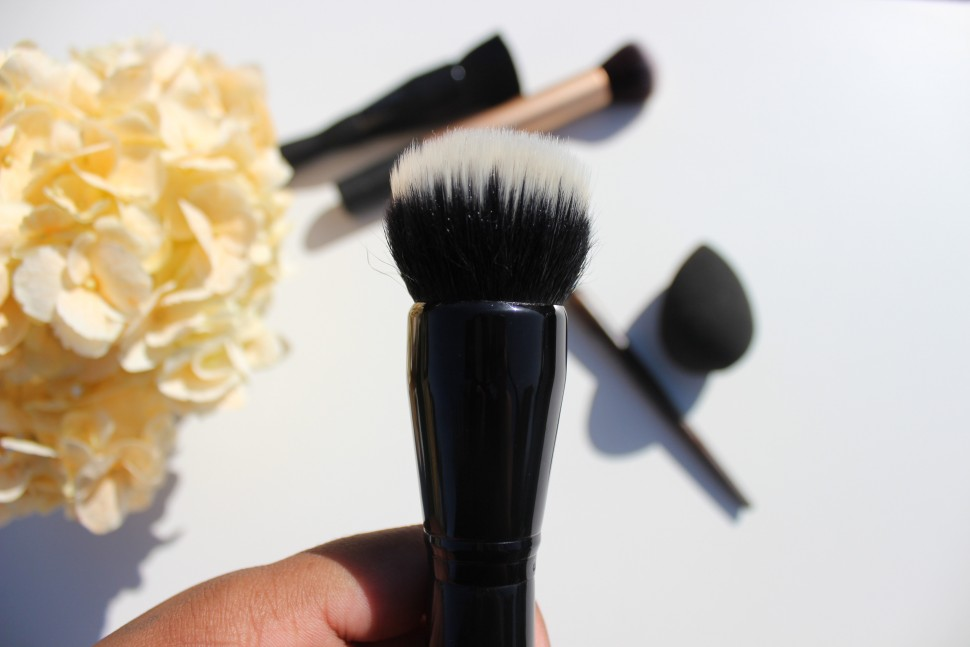 adesign powder brush bare minerals complexion brush 2