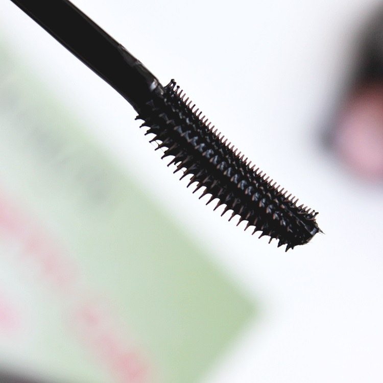 benefit cosmetics roller lash mascara review pictures (6)
