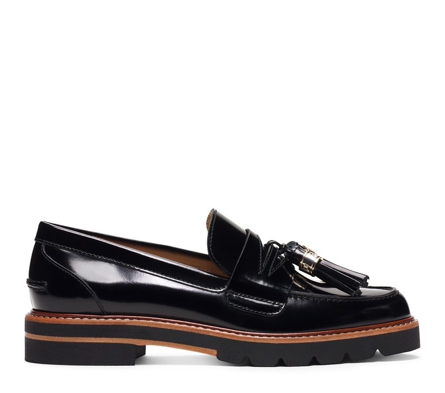 i'm obsessed with loafers, especially ones that push the traditional look. these loafers by Stuart Weitzman are a bit pricey but no fear, if you're not into spending that much cash i have a dupe thats fairly affordable below!