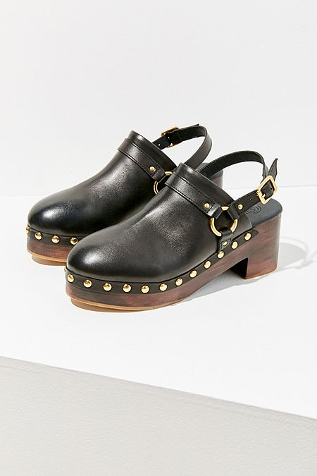 Urban Outfitters Roxy O-Ring Harness Clog