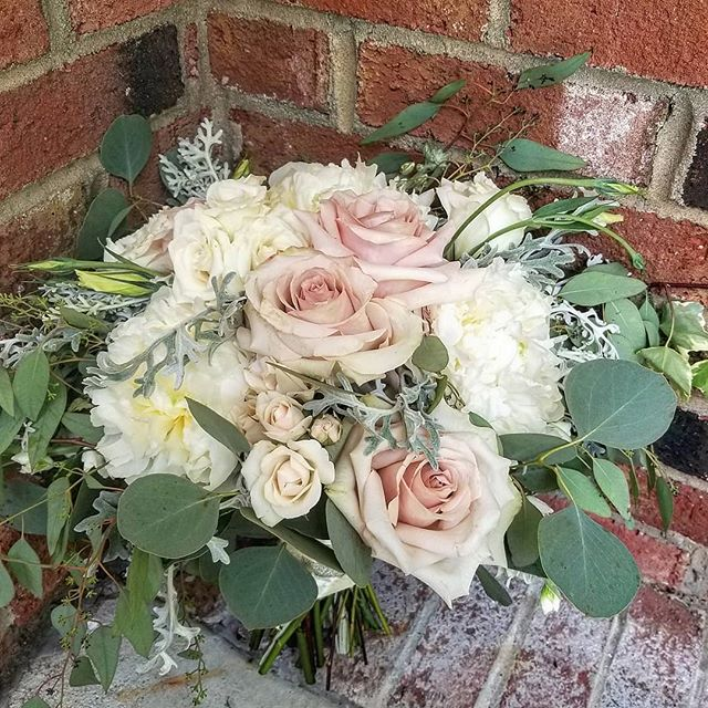 Juliet's bridal bouquet.. #bridalbouquet #blushbouquet #blushwedding #roses #greenery #blushrose #organic #summerwedding #summerbouquet #dustymiller #pastelwedding #peonies #lisianthus #sprayrose #eucalyptus #ivy #raleighflowerdelivery #raleighbride #apexweddings #raleighwedding #oakcity