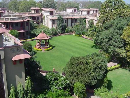 India-ashram-grounds2