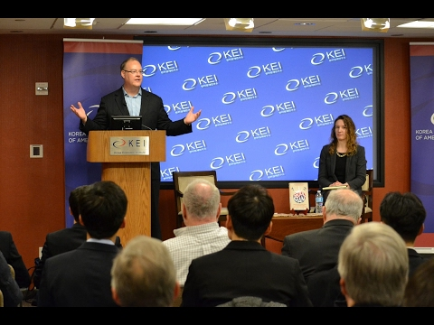 Frank addresses the Korean Economic Institute.